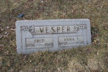 Vesper_tombstone